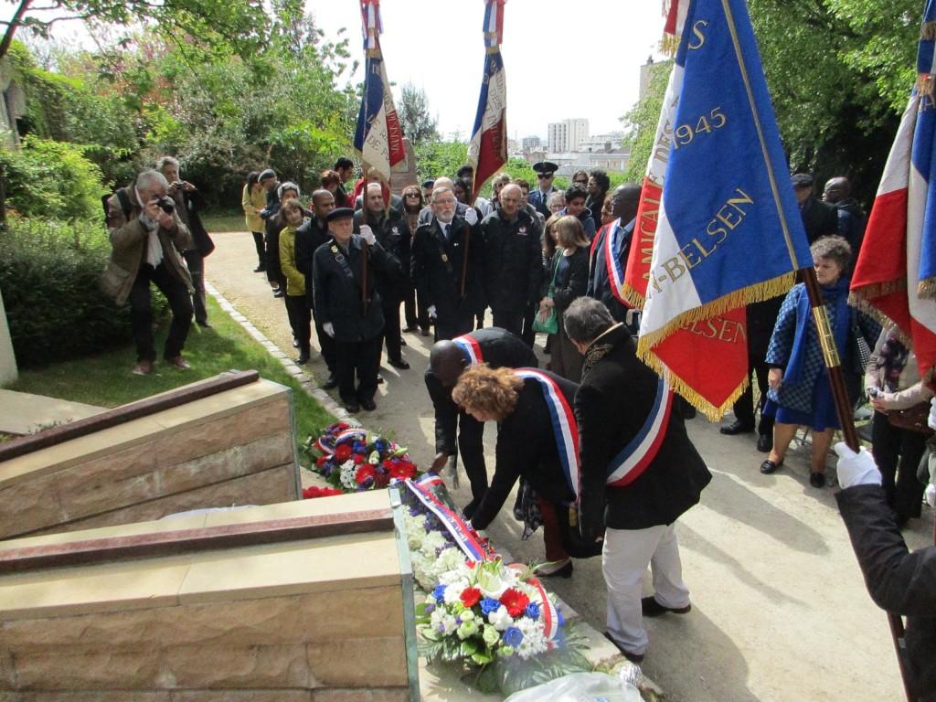 Hommage de madame Calandra, maire du 20ème arrondissement de Paris.