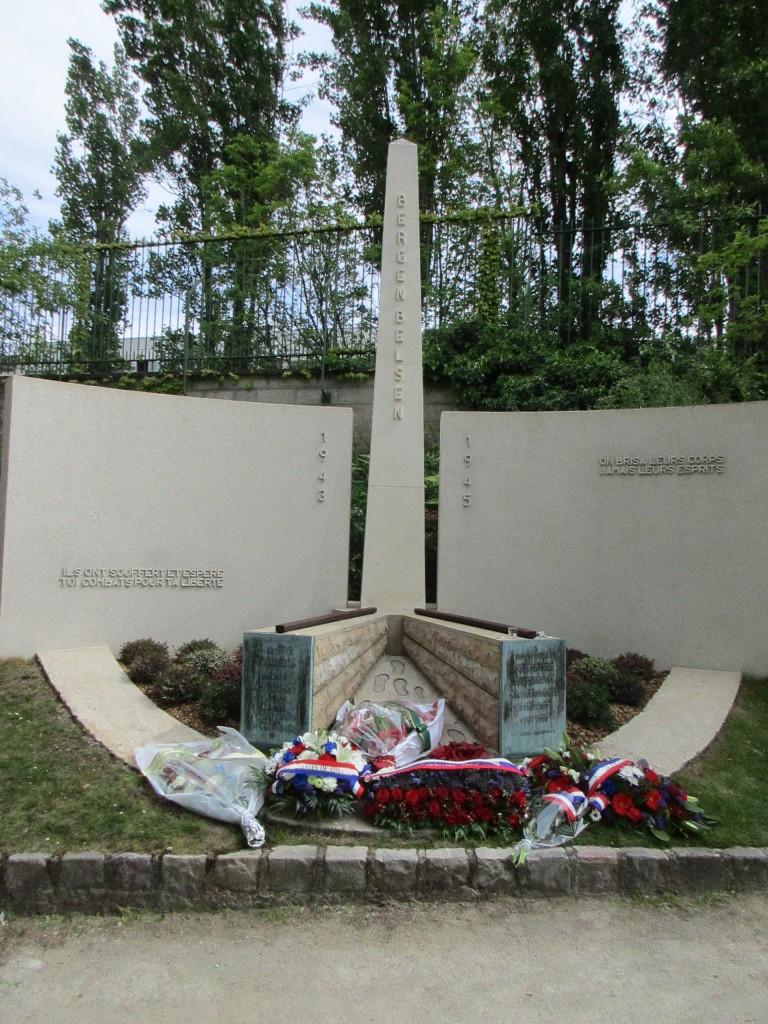 Notre monument fleuri