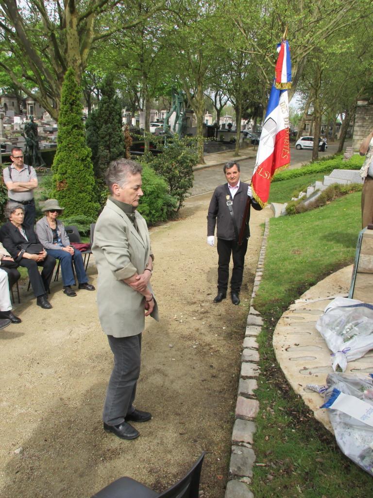 Le Dr Monika Gödecke, représentant le mémorial de Bergen-Belsen